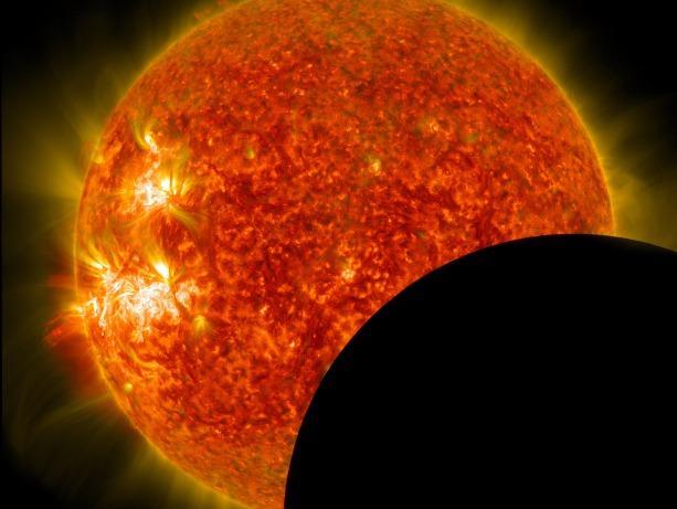 picture of solar eclipse in progress