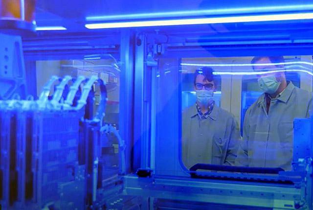 Looking through the glass of  virology lab equipment