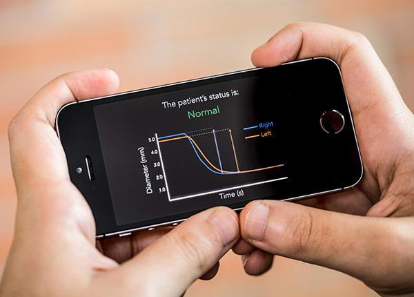 picture of PupilScreen smartphone app for concussions
