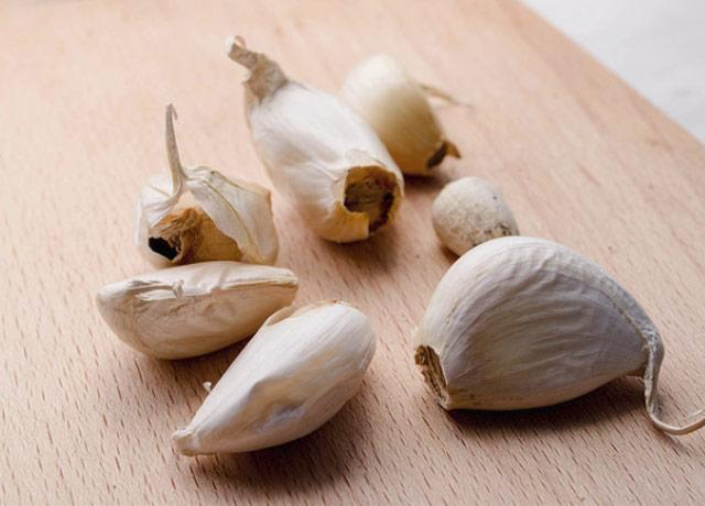Garlic causes a contact burn? Yes  | Newsroom