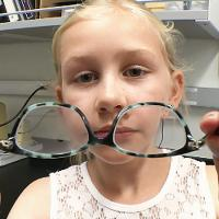 therapeutic glasses for children to prevent myopua