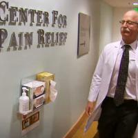 picture of Dr. David Tauben at the UW Medicine Center for Pain Relief.